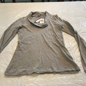 JAMES PERSE**Gray Long Sleeve Top***Size 3 $155